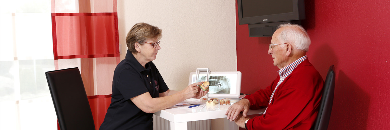 Zahnärztin Borgentreich - Dr. Sauer - Beratung in der Praxis