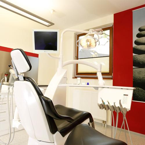 Zahnärztin Borgentreich - Dr. Sauer - Behandlungsstuhl in unserer Praxis